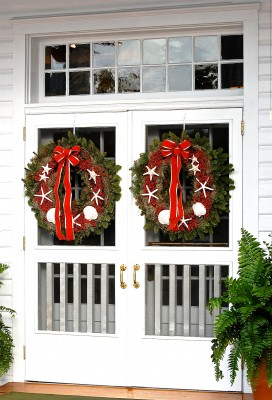 Wreaths waiting on my family in Florida after Christmas, time to relax!