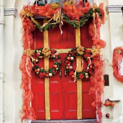 Red ribbons and fabulous wreaths in New Orleans.
