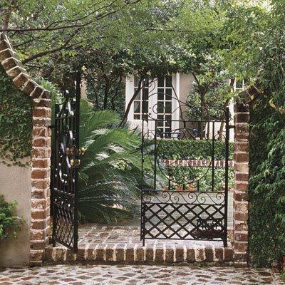 Southernliving.com Charleston Garden 1