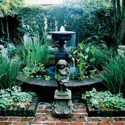 courtyard-fountain-urn-l