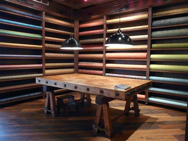 cutting-table-at-fortuny